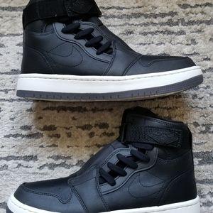 Nike Womens Air Jordan 1 Nova XX Size 9.5